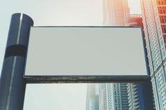 广告牌的嘲笑和摩天大楼在迪拜 免版税库存图片