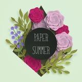 广告,邀请或者海报销售的纸夏天横幅模板与纸艺术花和叶子背景 库存图片