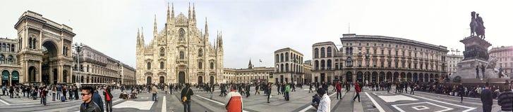 广场中央寺院在米兰 免版税图库摄影