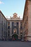 广场中央寺院或大教堂广场 新生建筑学在西西里岛,意大利 免版税库存图片