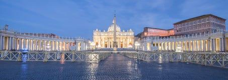 广场圣彼得罗,梵蒂冈,罗马,意大利 免版税库存照片