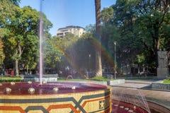 广场智利有红潮的广场喷泉喜欢酒- Mendoza,阿根廷 库存图片