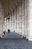 广场的圣彼得罗柱廊在梵蒂冈 库存图片