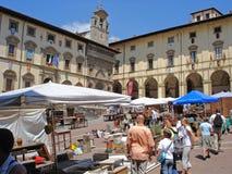 广场的看法重创在阿雷佐在意大利 免版税库存图片