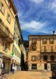 广场Governo在贝林佐纳,小行政区提契诺州 有颜色的瑞士 免版税库存图片