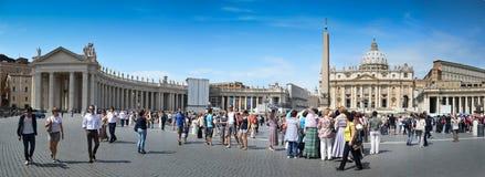 广场pietro ・圣・梵蒂冈 库存照片