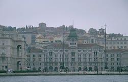 广场Unita d& x27; 意大利在的里雅斯特的市中心 免版税库存照片