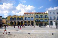 广场Vieja在哈瓦那古巴 免版税库存图片