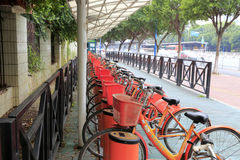 广州公开自行车运输驻地 库存图片