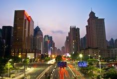 广州晚上路 库存图片
