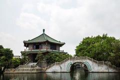 广州,广东,著名旅游胜地珍惜墨水庭院的中国,这是公园场面的部分,古董汇集 库存图片