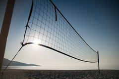 广角的沙滩排球- 免版税库存图片