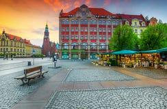 庄严早晨场面在集市广场的,波兰,欧洲弗罗茨瓦夫 免版税库存照片