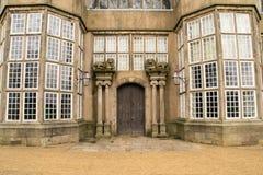 庄园住宅入口。 免版税库存照片