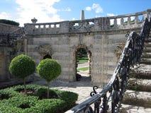 庄园庭院迈阿密老楼梯 库存照片