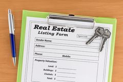 庄园表单房子锁上实际的列表 免版税库存照片