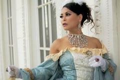 庄重装束的饰以珠宝的亚裔妇女 库存图片