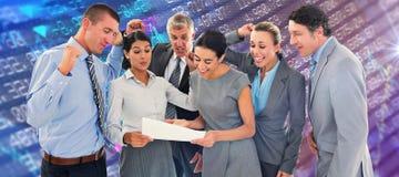 庆祝一个新的合同的企业队的综合图象 免版税库存图片