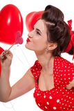 庆祝华伦泰的美丽的减速火箭的妇女 免版税库存图片