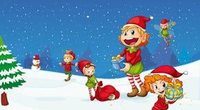 庆祝圣诞节的孩子 免版税库存照片