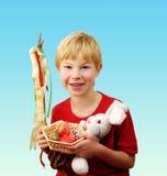 庆祝复活节的男孩 库存图片
