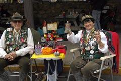 庆祝夫妇德语的美国人 免版税库存图片