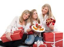 庆祝生日的姐妹 免版税库存照片