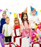 庆祝生日的孩子 免版税库存图片