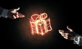 庆祝的概念与火灼烧的礼物标志和creatio的 库存图片