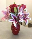 庆祝的花在办公室 库存图片
