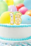 庆祝第16个生日的蛋糕 库存照片