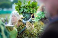 庆祝近来在杰克的夏天绿色民间事件的在海斯廷斯 免版税图库摄影
