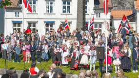 庆祝5月17日的挪威孩子 库存照片