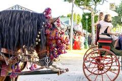 庆祝SevilleÂ的4月市场的传统骑乘马支架 免版税图库摄影
