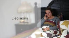 床印刷术的-决定版本担心的年轻二十妇女 股票录像