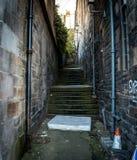 床垫在一条狭窄的巷道 图库摄影