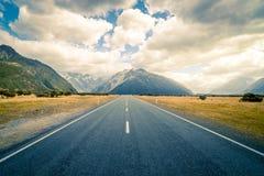 库克山,新西兰-在途中向库克山在新西兰 库存照片