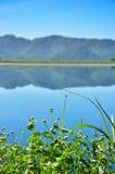 水库和山风景在泰国 库存照片