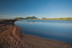 水库和蓝天在春武里市泰国 免版税图库摄影