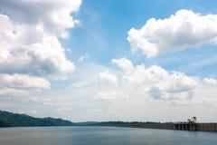 库恩丹Prakanchon水坝和国家公园在泰国,采取在a 库存图片