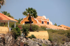 库拉索岛的海滨别墅 免版税库存照片