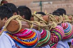 库斯科-秘鲁- 2016年6月06日:未知的秘鲁人parti 免版税库存图片