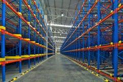 仓库棚架存贮金属板台阶梯形砌接系统 库存图片