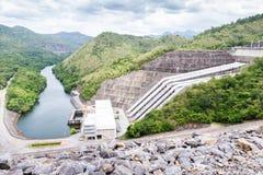 水库的Srinakarin水坝美丽的景色 Sawat,干乍那 免版税图库摄影