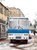 巴库街道在雪冬日 库存照片