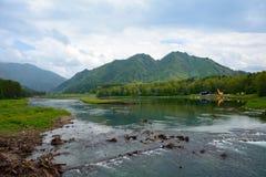 水库Chemal水力发电站 免版税库存图片