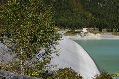 水库Laengental水坝  免版税库存图片