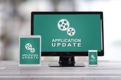 应用在不同的设备的更新概念 免版税库存照片