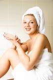应用美好的机体愉快的化妆水妇女 图库摄影