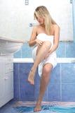 应用装饰性的奶油色妇女 免版税库存照片